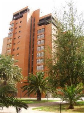 Apartamentos plaza picasso en hoteles valencia campanar for Apartamento plaza picasso