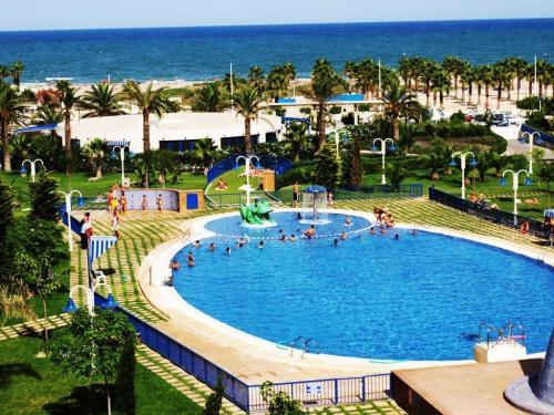 Valencia holiday en hoteles valencia blasco iba ez for Hoteles en valencia con piscina