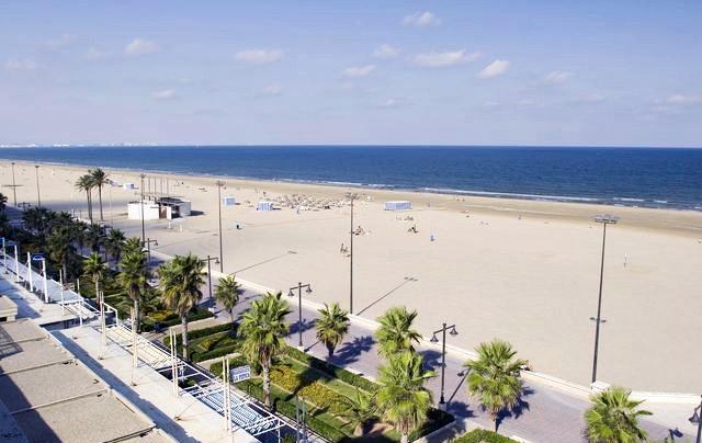 Playa de las arenas en valencia malvarrosa - Hoteles en la playa de la malvarrosa ...